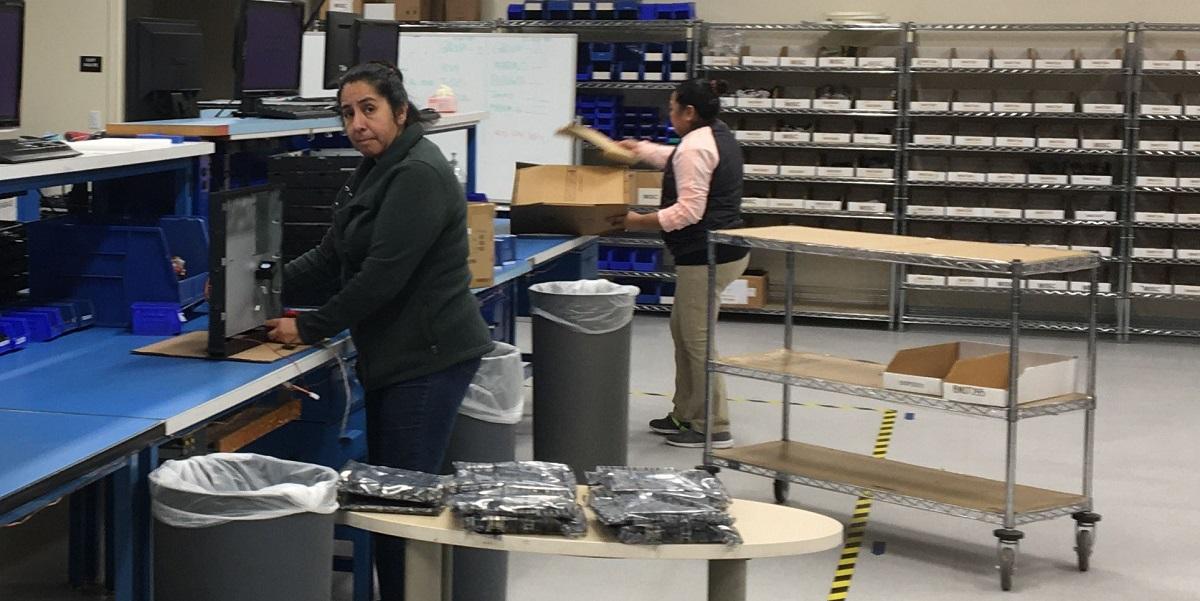 バラクーダの製造部門がどのように生産を継続しているか のページ写真 1