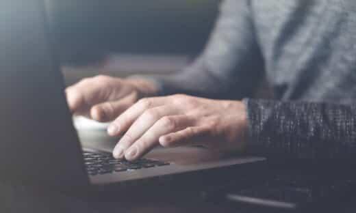 メール攻撃のタイプ: BEC(ビジネスメール詐欺) のページ写真 12